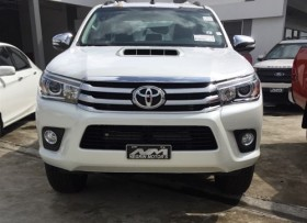 Toyota Hilux SRV 2018 blanca