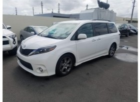 Toyota Sienna 2015 SE SOLO 8K MILLAS