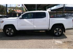 Toyota Tacoma TRD 2017Pagos desde 43900
