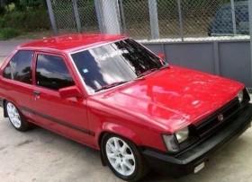 Toyota Tercel 1984 roja