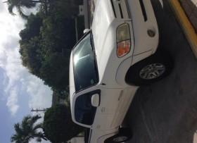 Toyota Tundra 2004 Doble Cabina 8000