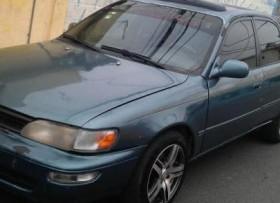 Toyota corolla 95 en buenas condiciones