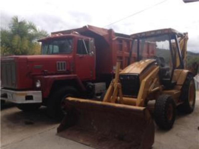 Truck tumba international