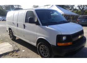 VAN CHEVROLET EXPRESS 2014