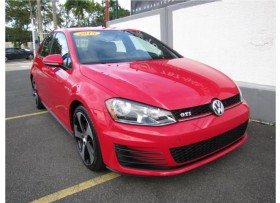 VOLKSWAGEN GOLF GTI 4-DOOR 2015