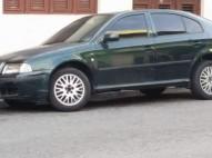 Vendo carro Skoda Octavia 2002 para pagar mis estudios