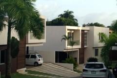 Vendo - Alquilo Casa en Proyecto cerrado Cuesta Hermosa I Distrito Nacional