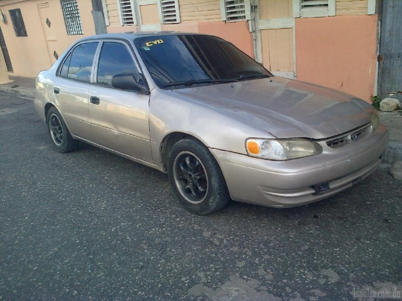 vendo carro toyota corolla 1998 negro en santo domingo. Black Bedroom Furniture Sets. Home Design Ideas