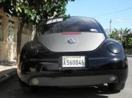 Volkswagen Beetle 1999 negro
