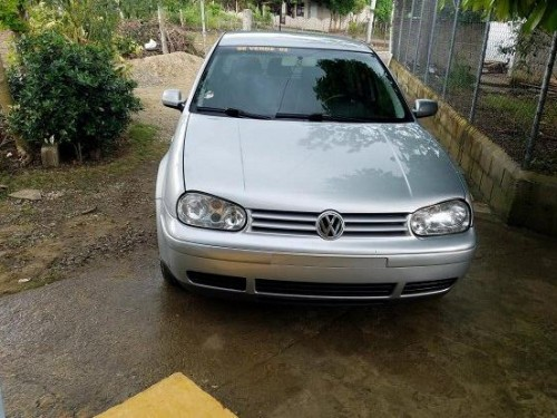 Volkswagen Golf 2002 2.0 Gris