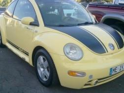 Volkswagen Beetle 2001 amarillo