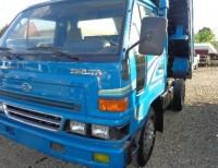 Volteo daihatsu cara ancha azul pintura de fabrica