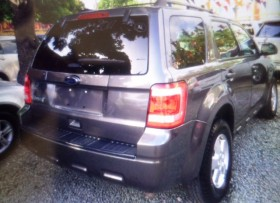 ford escape gris 2011