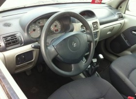 renault clio 2006 authentique