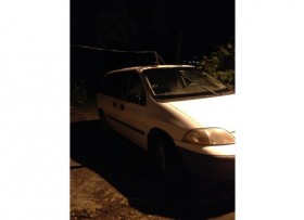 se vende Ford windstar del 2000