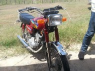 yamaha RXZ100 rojo