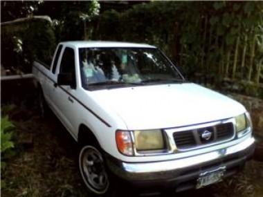 Nissan Frontier 200 Cabina y media