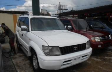 Toyota Land Cruiser VX 2000